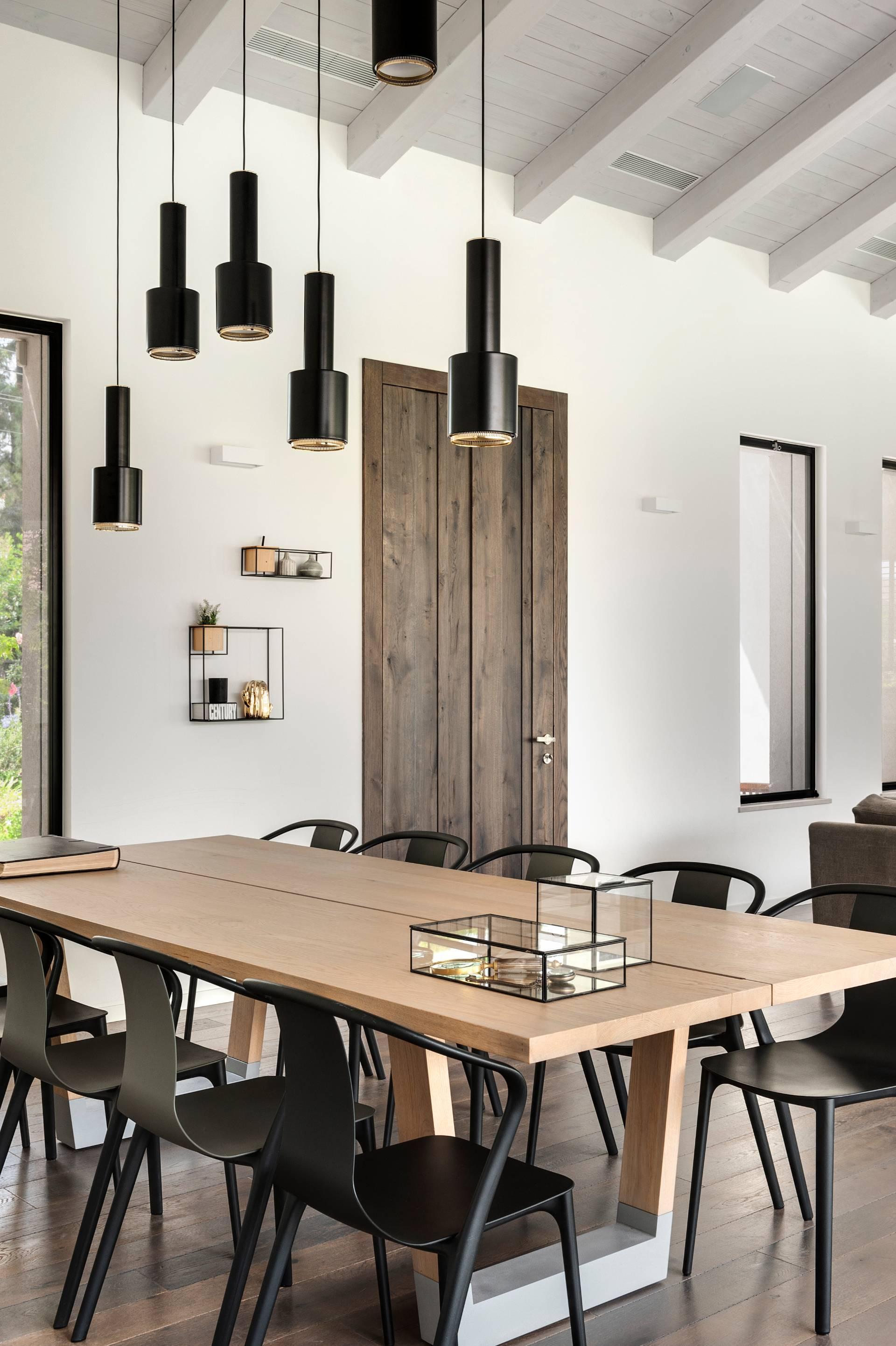 עיצוב שולחנות אוכל מעץ מלא
