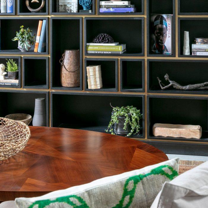 שולחן סלון מעץ מלא במראה עתיק