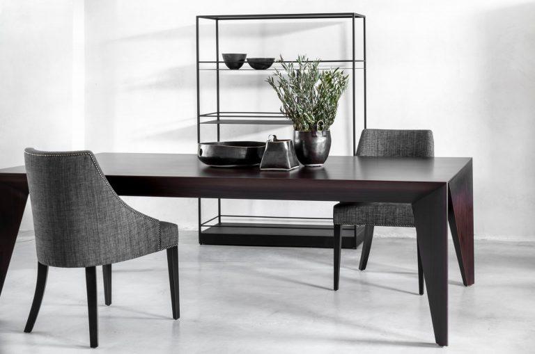 שולחן בעיצוב יוקרתי ובעבודת יד