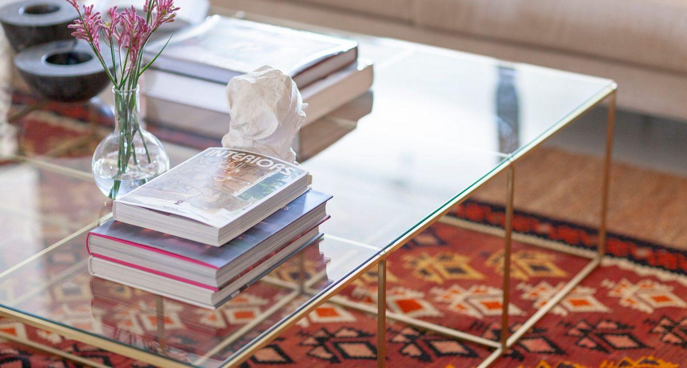שולחן זכוכית מעוצב בעבודת יד