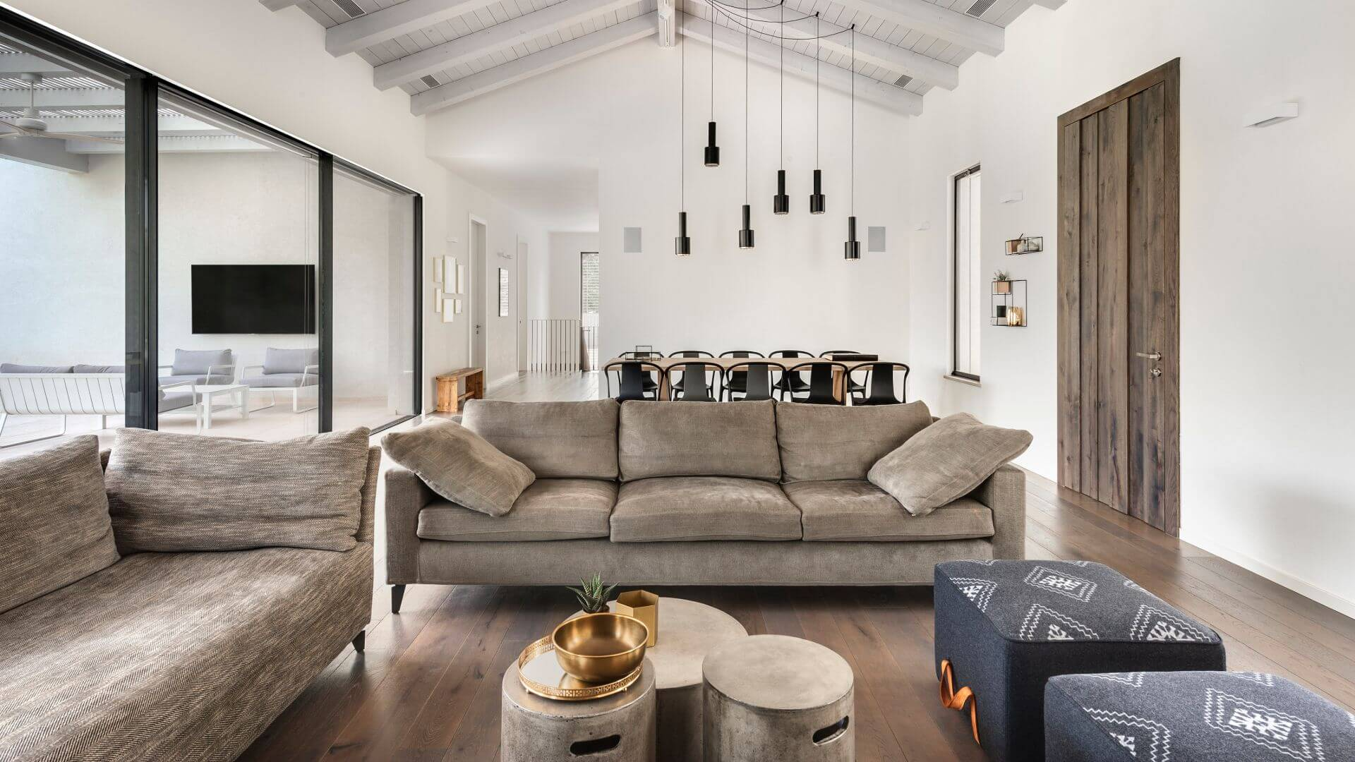 איך מעצבים סלון יוקרתי? כך תשיגו מראה יוקרתי ויפה לסלון שלכם
