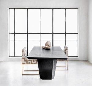 שולחן אוכל עץ וברזל